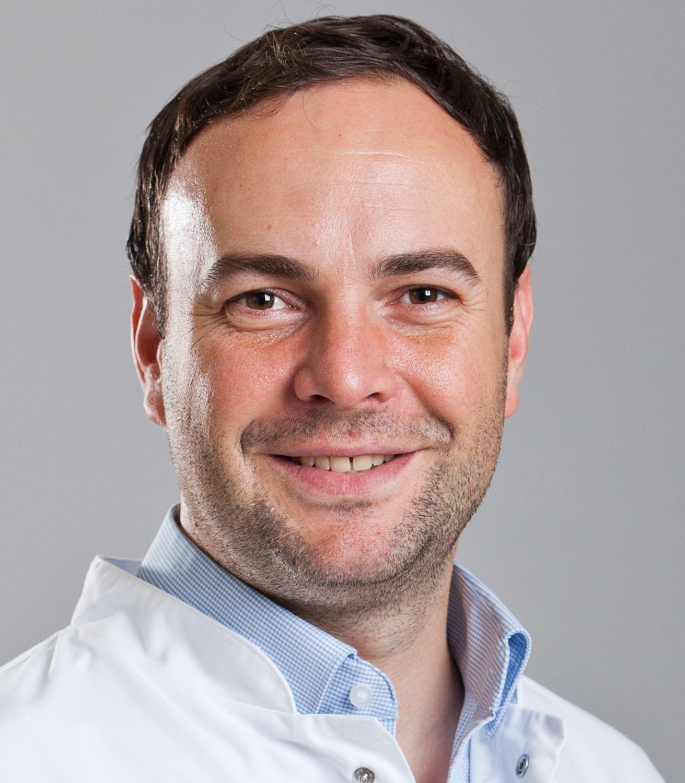Porträt: Dr. Andreas Pinter, Direktor der Abteilung für Klinische Forschung des Universitätsklinikums Frankfurt